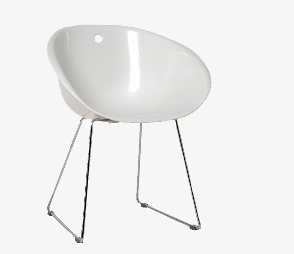 kleiner wei er stuhl m belideen. Black Bedroom Furniture Sets. Home Design Ideas