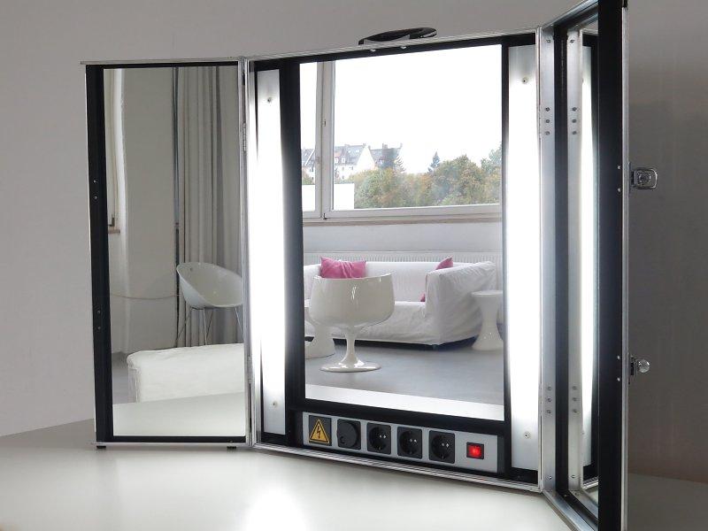 make up spiegel loft 506 mietstudio f r foto film. Black Bedroom Furniture Sets. Home Design Ideas